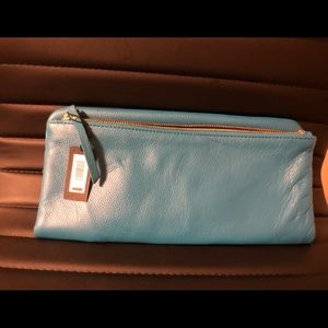 ❤️OFFERS WELCOME ❤️ NWT- Folded Clutch